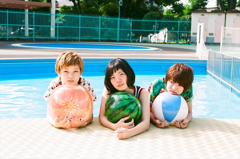 SHISHAMO_-_Natsu_no_Koibito_promo.jpg