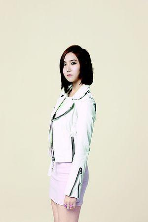 Hong yoo kyung wiki drama : Super singer 8 nov 15 episode